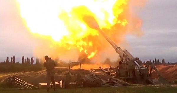 Război total între Armenia și Azerbaidjan: Circa 1.000 de oameni au murit thumbnail