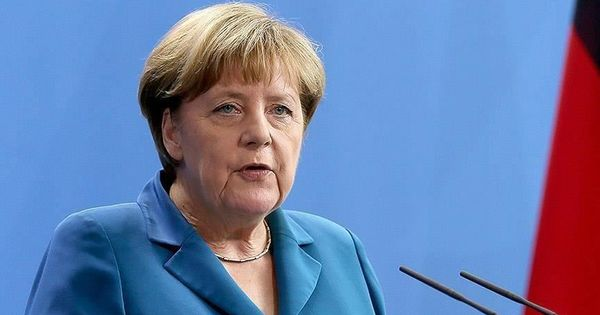 Меркель призвала страны ЕС принять план спасения экономики thumbnail