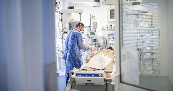 COVID-19: Cel puţin 6.500 de morţi în Franţa. 588 de decese în 24 ore thumbnail