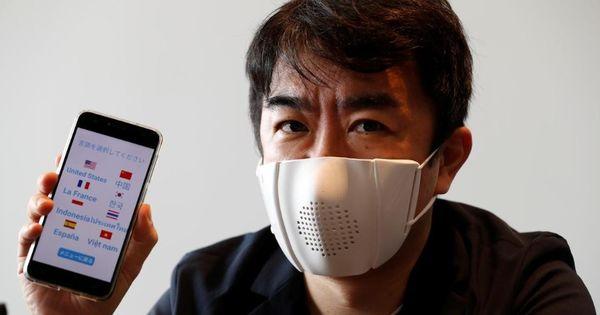 В Японии создали маску, которая переводит речь владельца на другие языки thumbnail