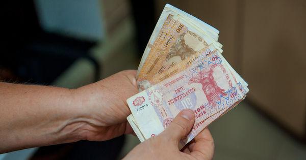 Guvernul majorează suma compensațiilor pentru agricultori thumbnail