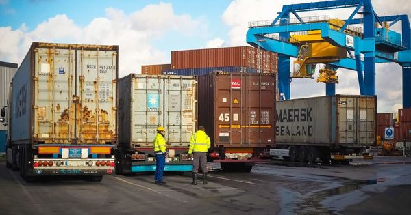 Pandemia face pierderi în economie: Transportul de mărfuri a scăzut thumbnail