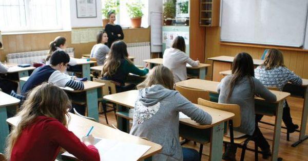 В Румынии выпускники возвращаются к занятиям для подготовки к экзаменам thumbnail