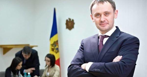 Dragancea, consilierul lui Chicu: 10 bâlbe ale dlui Alaiba thumbnail