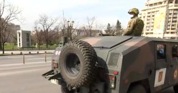 România a scos armata pe străzi. Imagini din Piața Unirii din București thumbnail
