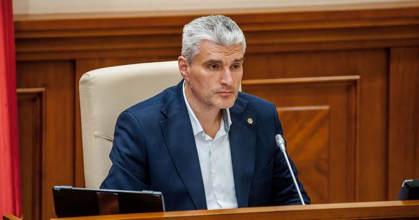 Șefa Aparatului vicepreședintelui Parlamentului, Alexandru Slusari, infectată cu COVID-19 thumbnail