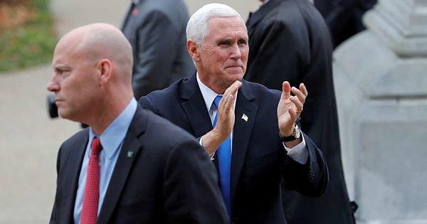 SUA: Şeful de cabinet al vicepreşedintelui, testat pozitiv cu COVID thumbnail