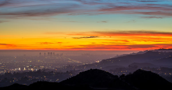 Лос-Анджелес решил транслировать свои закаты онлайн thumbnail