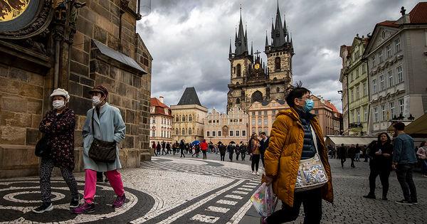 В Чехии отменили требование о ношении медицинских масок в общественных местах thumbnail