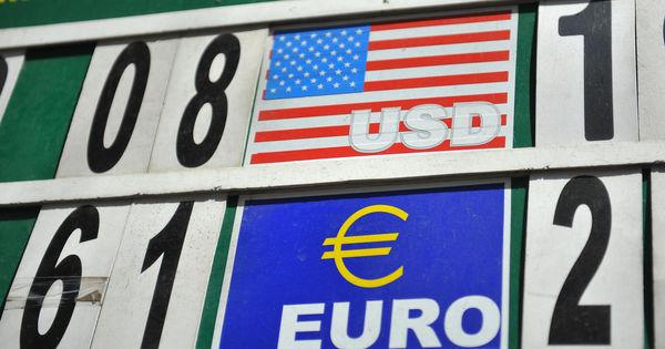 Curs valutar 24 iulie 2020: Cât valorează un euro și un dolar thumbnail