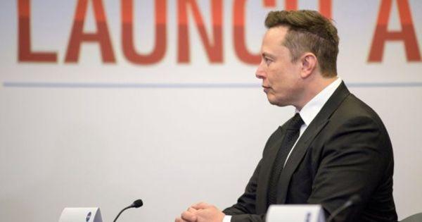 Un rus a oferit un milion de dolari unui angajat Tesla: Ce ordin avea thumbnail