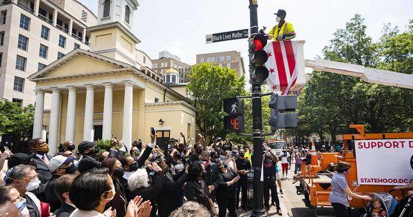 Часть ведущей к Белому дому улицы переименовали в поддержку темнокожих граждан thumbnail