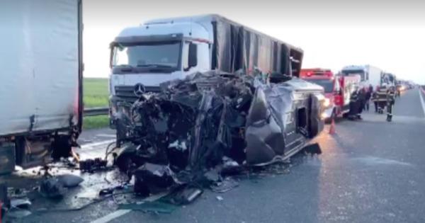 Accident în România: Un mort și 16 răniți, printre care un moldovean