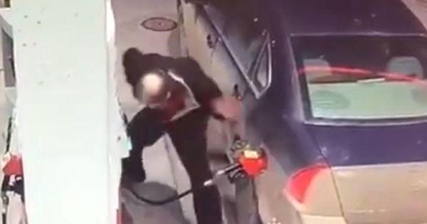 Un șofer nervos a luat la pumni pompa unei benzinării din Canada thumbnail