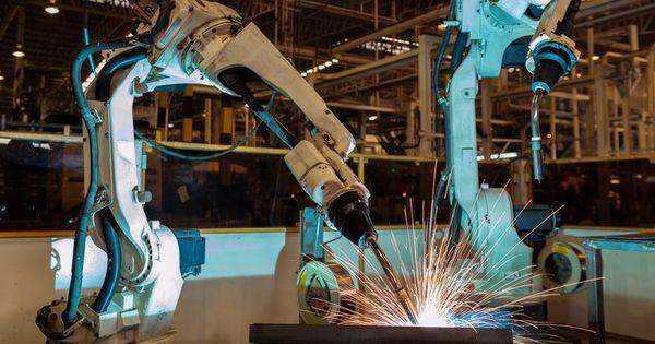 Numărul de roboţi industriali a atins un nivel record la nivel mondial thumbnail
