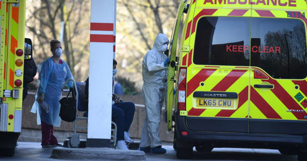 O britanică a murit de COVID-19 după ce ar fi fost scuipată de o persoană infectată thumbnail