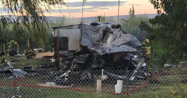 В США мужчина хотел прогнать енотов, но вместо этого сжег свой дом thumbnail