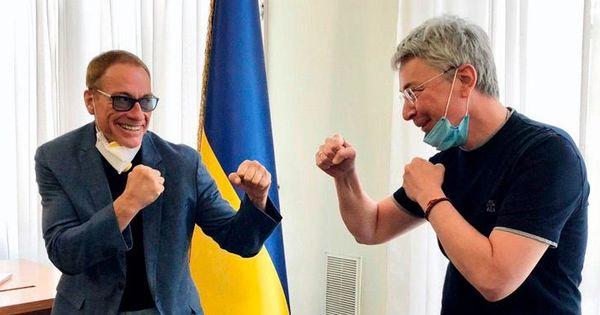 Netflix снимает на Украине комедийный боевик с Ван Даммом в главной роли thumbnail