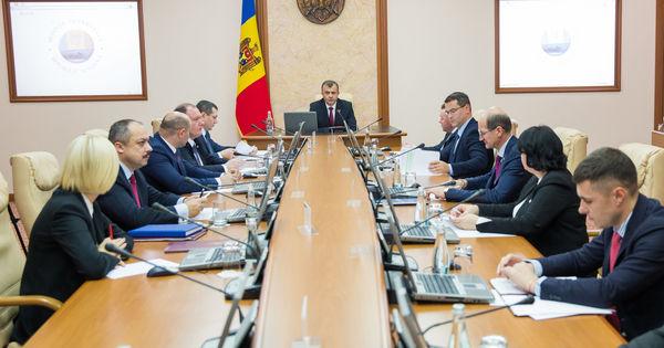 Igor Munteanu: Guvernul Chicu ar putea fi demis în câteva săptămâni thumbnail
