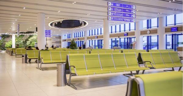 Guvernul a tăiat Aeroportului Chișinău 50% din taxă de 9€ per pasager thumbnail