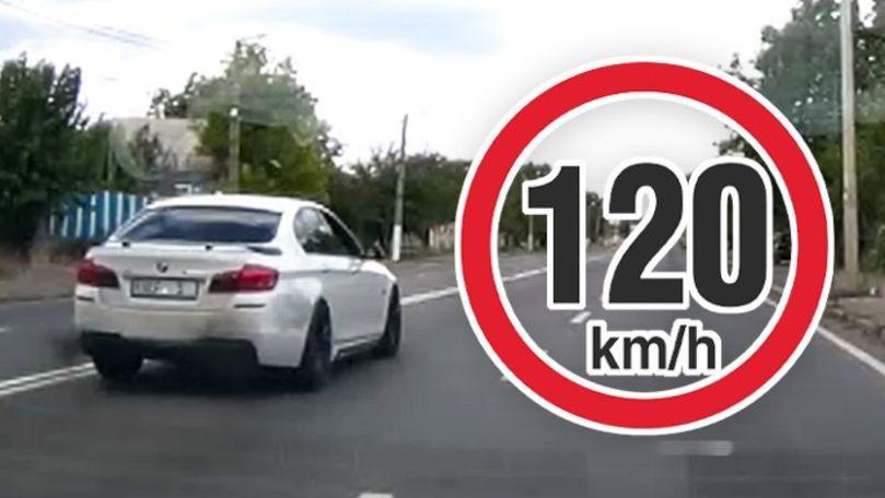 Șofer de BMW, filmat cum trece fulgerător prin satul cu accidente grave