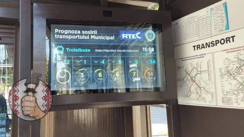 Ce spun călătorii despre monitorul ce indică orarul transportului public
