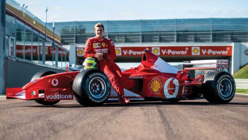 Două monoposturi pilotate de Michael Schumacher, scoase la licitaţie