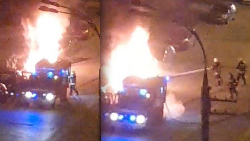 Incendiu la Botanica: O mașină, cuprinsă de flăcări