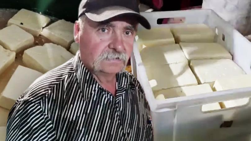 Tone de brânză în depozitul unui fermier din Cahul: Nu putem rezista