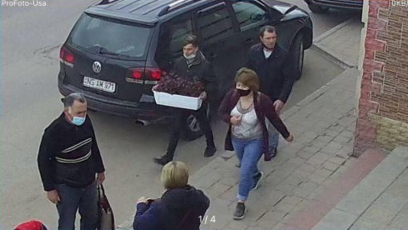 Un tânăr a furat un ghiveci cu flori de la terasa unui restaurant
