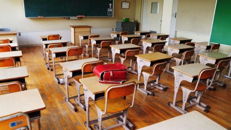 11 școli în carantină, 125 de profesori infectați și 250 în autoizolare