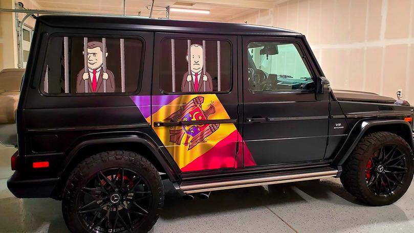 Cine e tânărul care a mers la alegeri cu un Mercedes-AMG decorat special