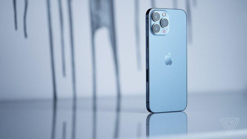 Cât trebuie să lucreze un moldovean ca să-și cumpere un iPhone 13 Pro