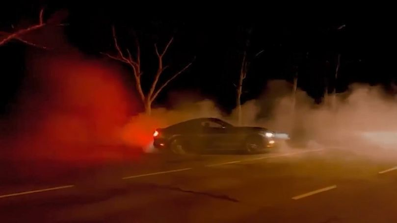 TikToker la volan: Un șofer s-a filmat făcând drifturi periculoase