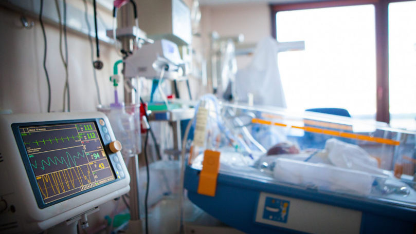 Medicii saudiţi au reuşit să separe un bebeluş de un geamăn-parazit