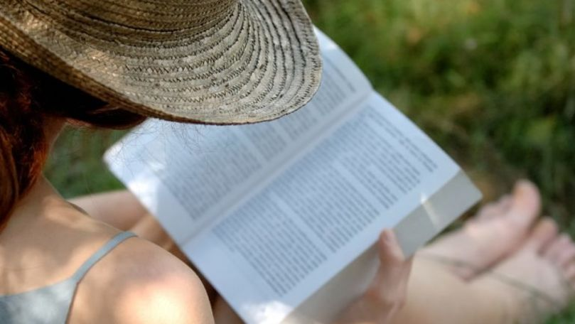 O femeie care citea în Parcul Valea Morilor, amendată cu 11.250 de lei