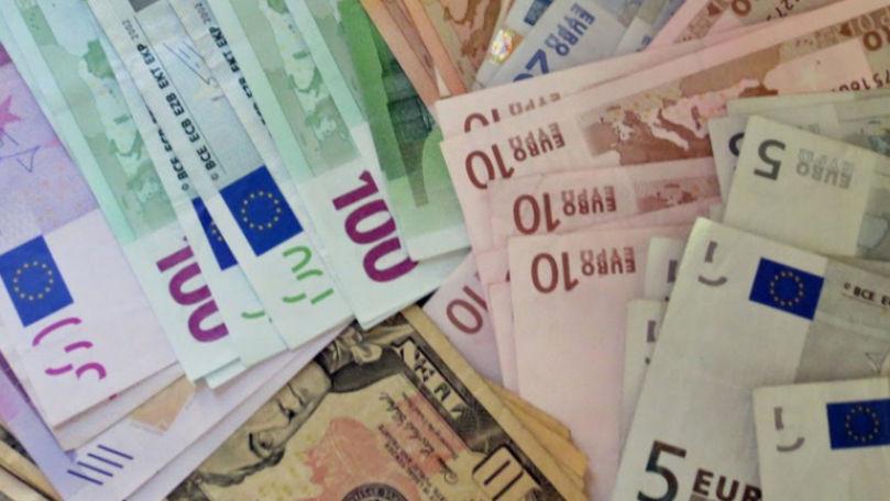 Dealerii explică situația pieței valutare: Autosuficienţă de invidiat