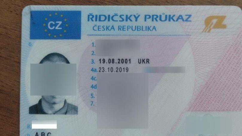 Permis cumpărat cu 300 euro, depistat la un tânăr ucrainean