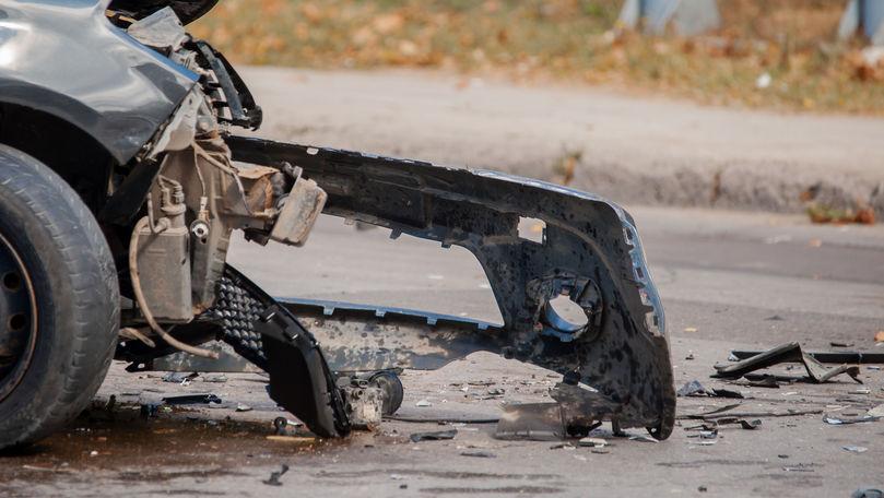 Accident nocturn în centrul Tiraspolului: 3 automobile, grav avariate