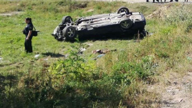BMW răsturnat la Ghidighici: Un tânăr de 18 ani a murit pe loc