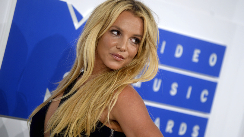 Apropiaţi: Britney a plâns la vestea că nu mai este sub tutela tatălui