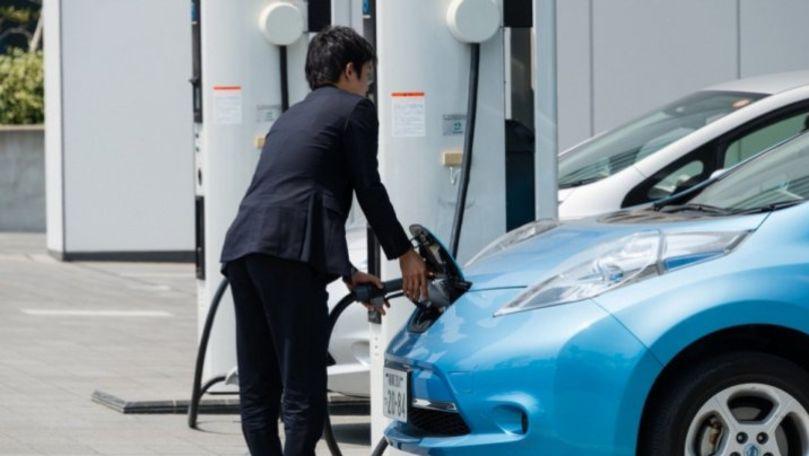 UE accelerează instalarea staţiilor de încărcare a mașinilor electrice