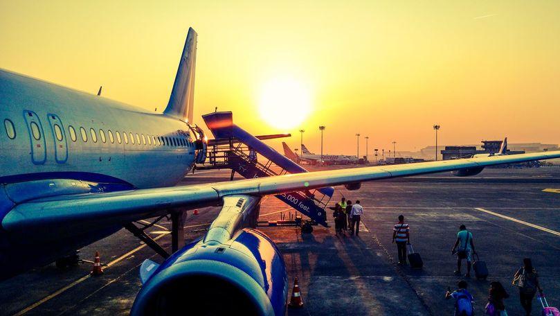 Cursă anulată: Peste 200 de moldoveni, blocați pe aeroport la Paris