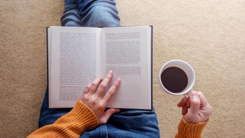 Câte ore ți-ar lua să citești cele mai bune cărți scrise vreodată