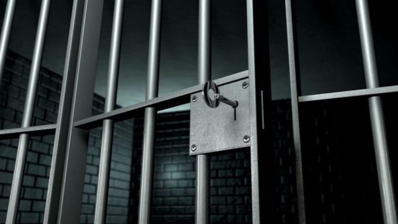 Minorii care au ucis în bătaie un boschetar, în arest pentru 30 de zile