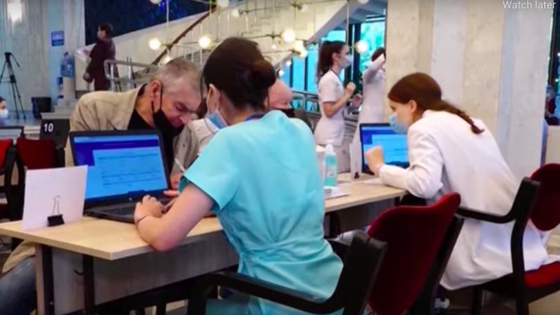 Ombudsman: Salariații trebuie încurajați, nu impuși să se vaccineze