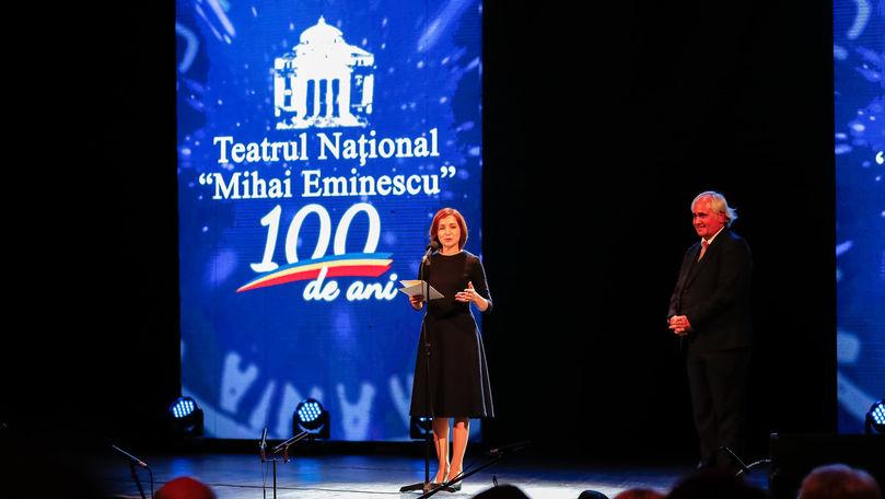 Maia Sandu, pe scena Teatrului Mihai Eminescu: A împărțit distincții