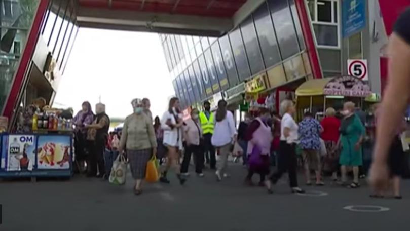 Moldovenii nu respectă măsurile anti-COVID, deși cazurile cresc zilnic