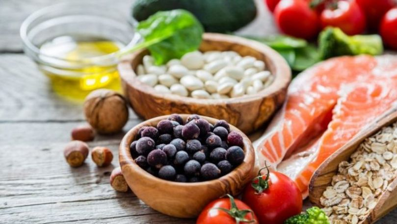 Studenții moldoveni au creat în laboratoare alimente sănătoase