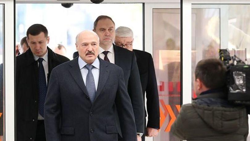 Belarus le interzice cetățenilor săi să mai plece în străinătate